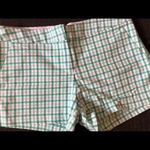 Forever 21 mint gingham shorts, Brand new, size 4